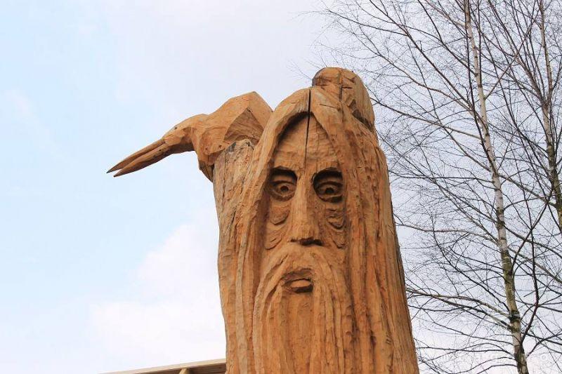 Rodowo – w drewnie zaklęte